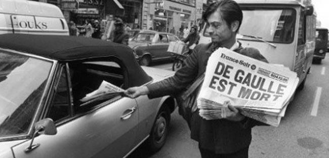 Vendeur-de-journaux-a-paris2